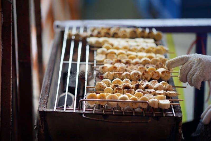 Griglia della banana, dessert tailandese fotografia stock