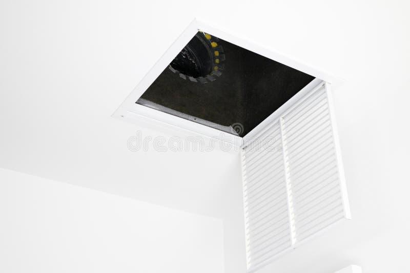 Griglia della presa d'aria di HVAC aperta immagine stock