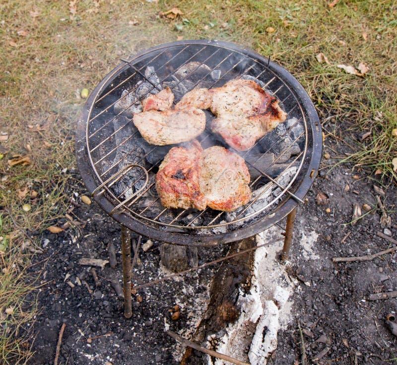 Grigliare la bistecca di Chuck immagine stock