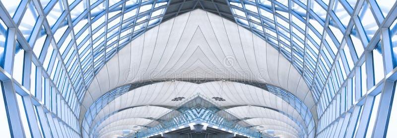 Grijs plafond van de bureaubouw, panorama stock afbeelding