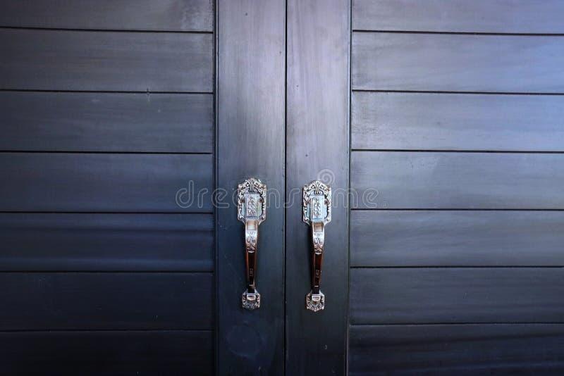 Grijze deur in het huis royalty-vrije stock afbeeldingen