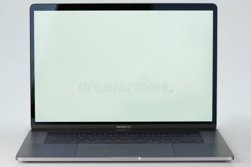 Grijze pro laptop macbook royalty-vrije stock foto
