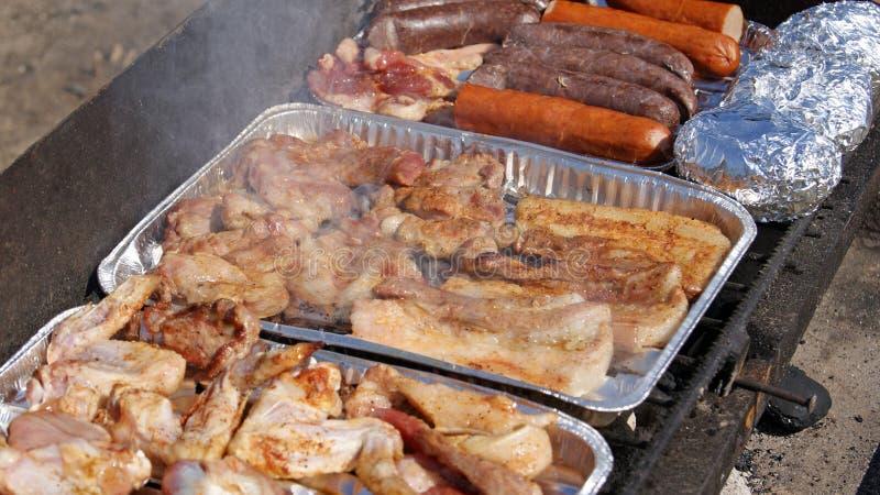 Download Grill zdjęcie stock. Obraz złożonej z chef, plenerowy - 24530850