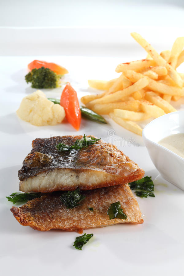 Download Grill Fish Royalty Free Stock Image - Image: 32381016