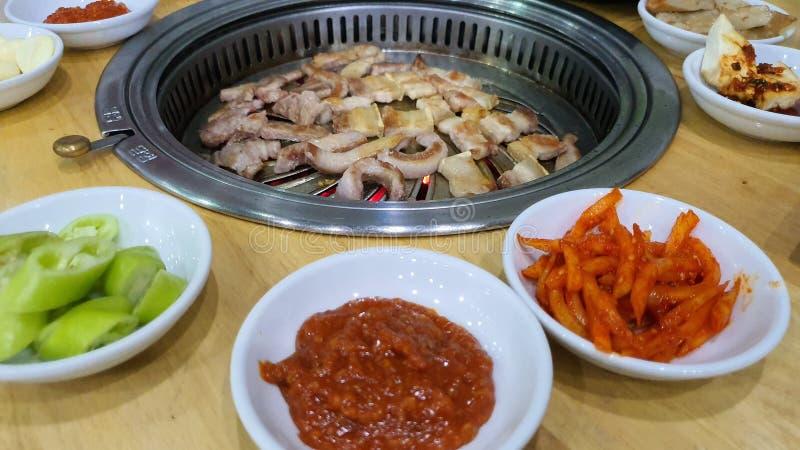 Grill Korea wieprzowina jedzenie gorąca kolacja pyszny głodny olej zdrowy sos chili przepis zdjęcie stock