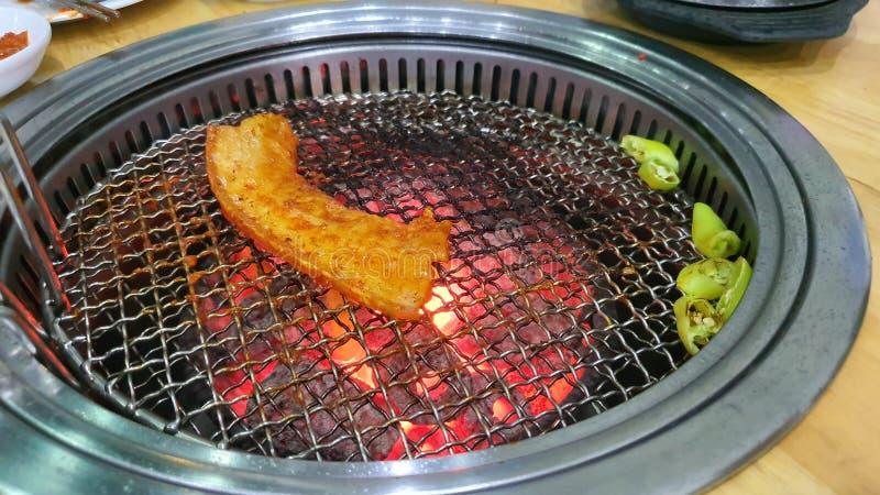 Grill Korea wieprzowina jedzenie gorąca kolacja pyszny głodny olej zdrowy sos chili przepis zdjęcie royalty free