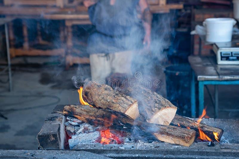 Grill z łupką dla grilla na ulicie zdjęcie royalty free