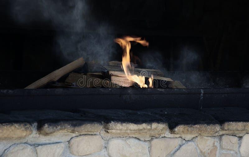 Grilla hearth otwiera ogień wakacje letni kebab obrazy royalty free