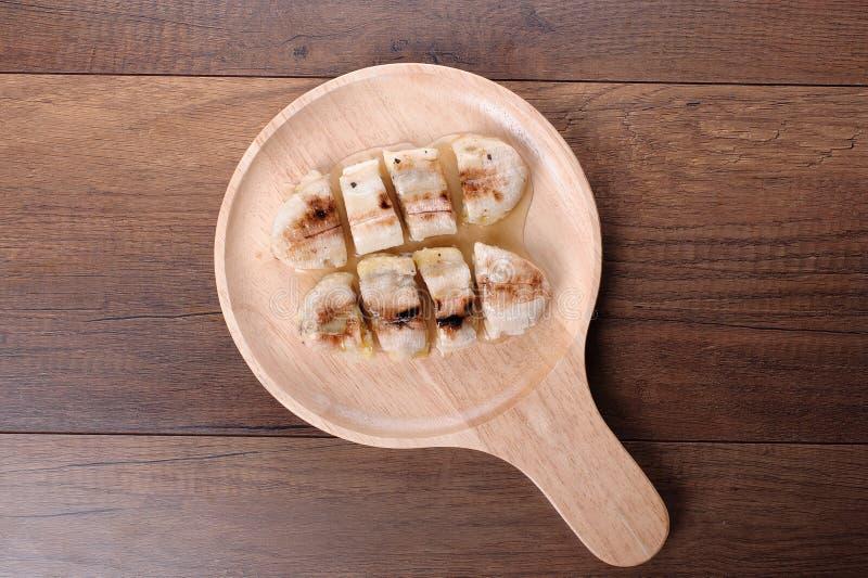 Grillad banan med caramelized arkivbilder