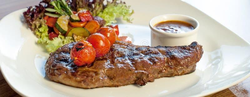 Grillad Bison-Buffel Ribeye Steak royaltyfri fotografi