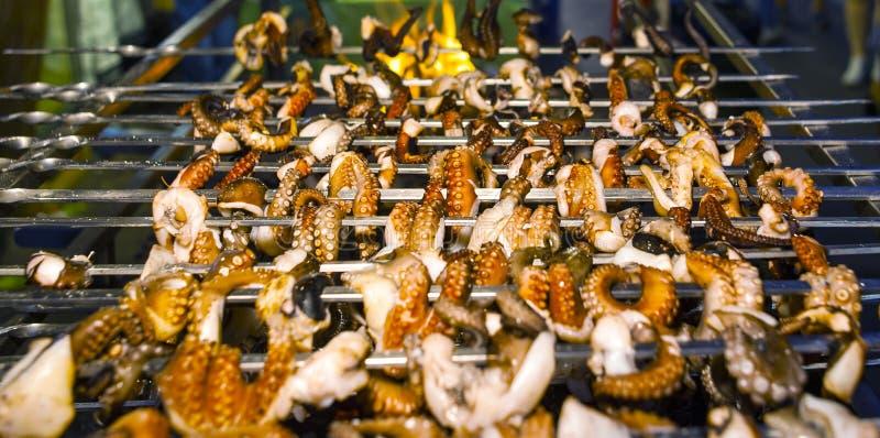 Grillad grillad bläckfisk royaltyfri fotografi