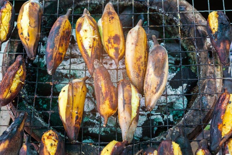 Grillad gul banan royaltyfria foton