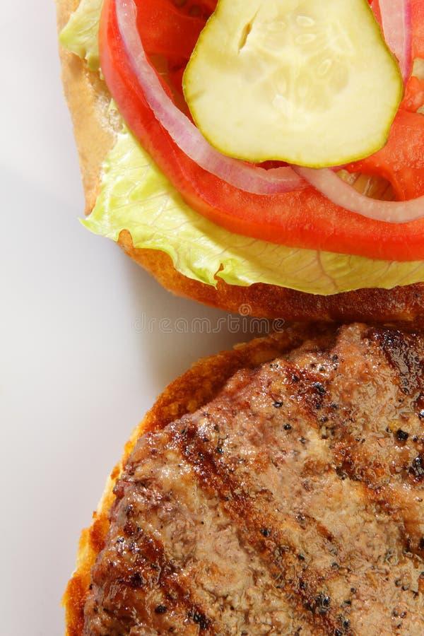 Grillad hamburgare fotografering för bildbyråer
