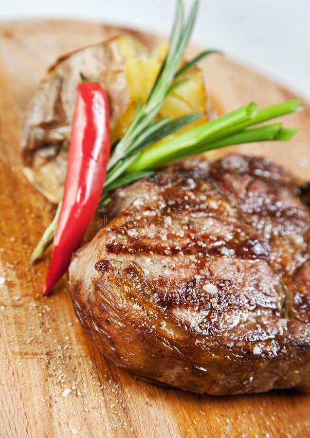 Download Grillad meat arkivfoto. Bild av äta, amerikansk, kök - 19789956