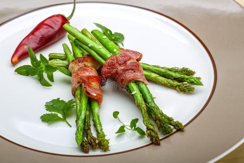 maträtt med sparris