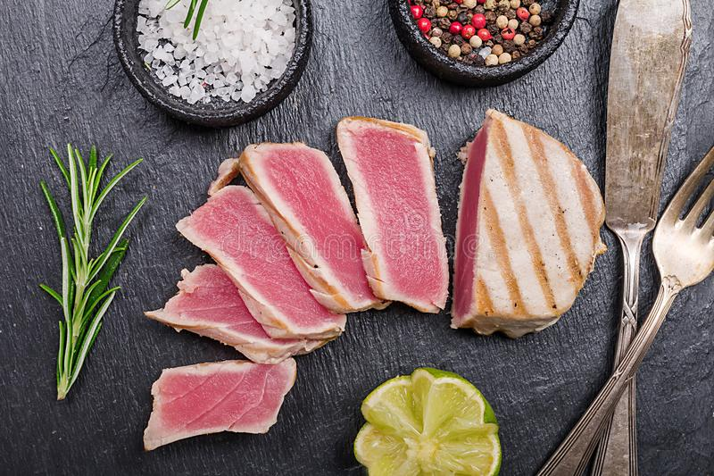 grillad steakstonfisk royaltyfri fotografi