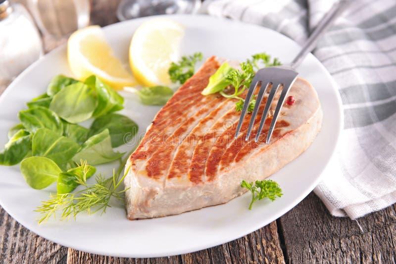 grillad steaktonfisk arkivfoton