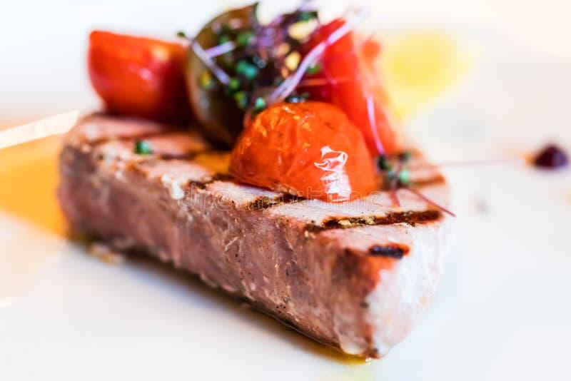 Grillad tonfiskfisk royaltyfri foto