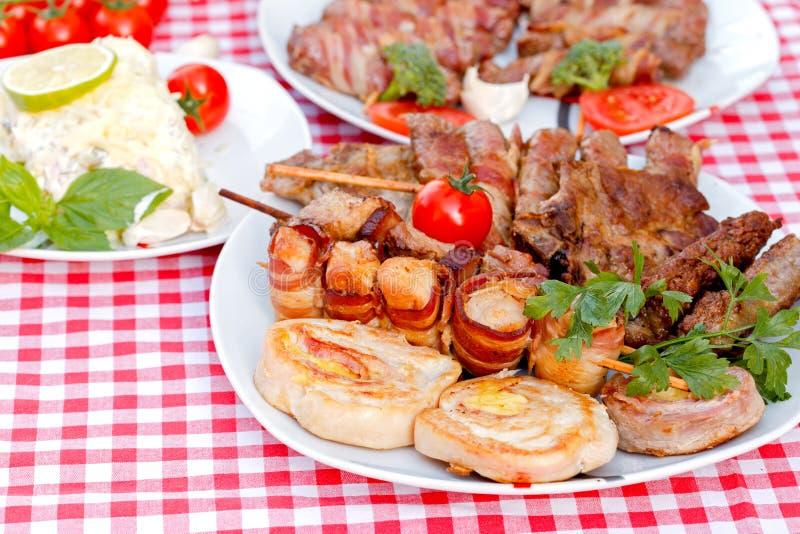 Grillat kött - grillad specialitet royaltyfri fotografi