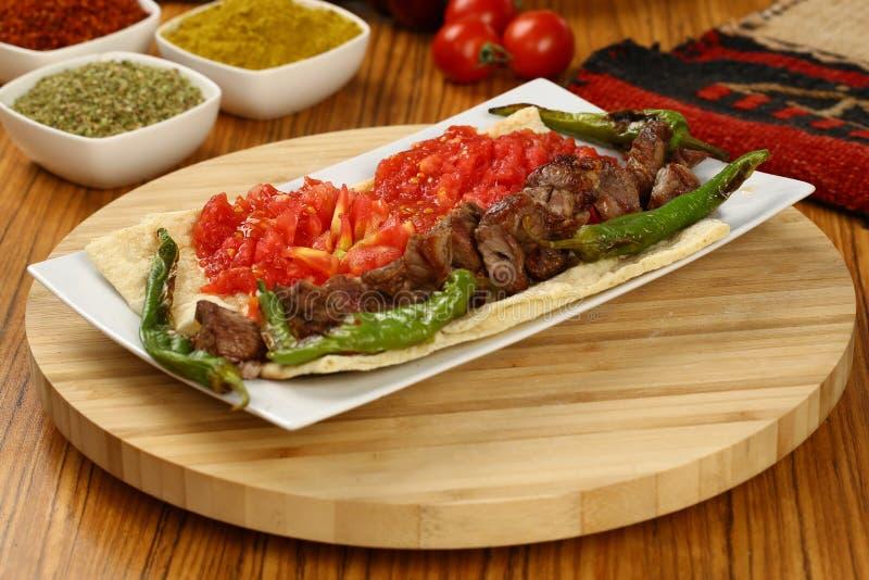 Grillat kött & x28; kebab& x29; royaltyfria foton