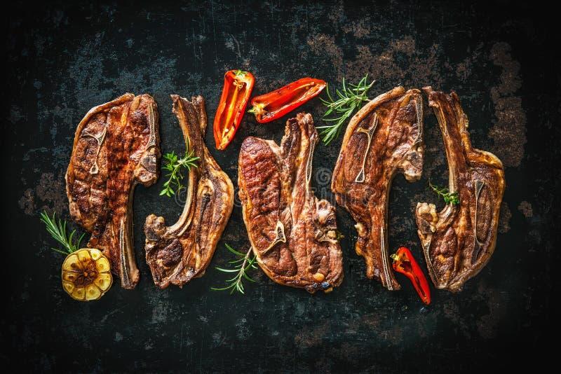 Grillat lammkött med grönsaker royaltyfria foton