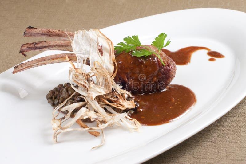 grillat seared lambstöd royaltyfri bild