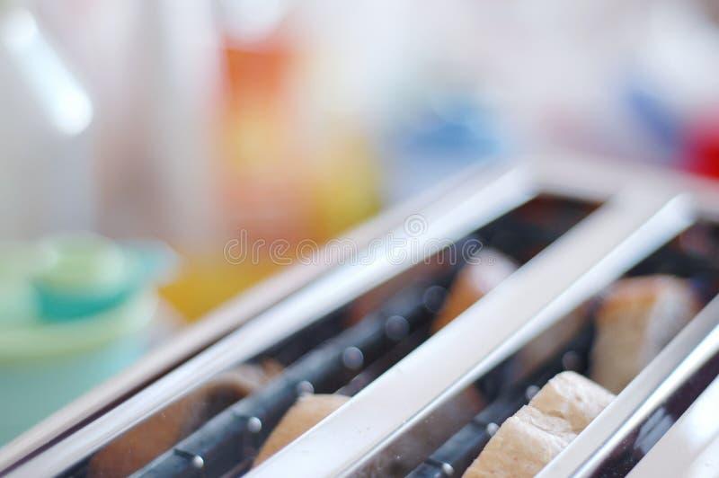 Grille-pain sur la cuisine #4 image libre de droits