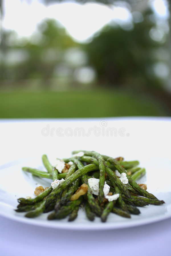 Free Grilled Asparagus With Walnuts And Goat Cheese Royalty Free Stock Photography - 1926187