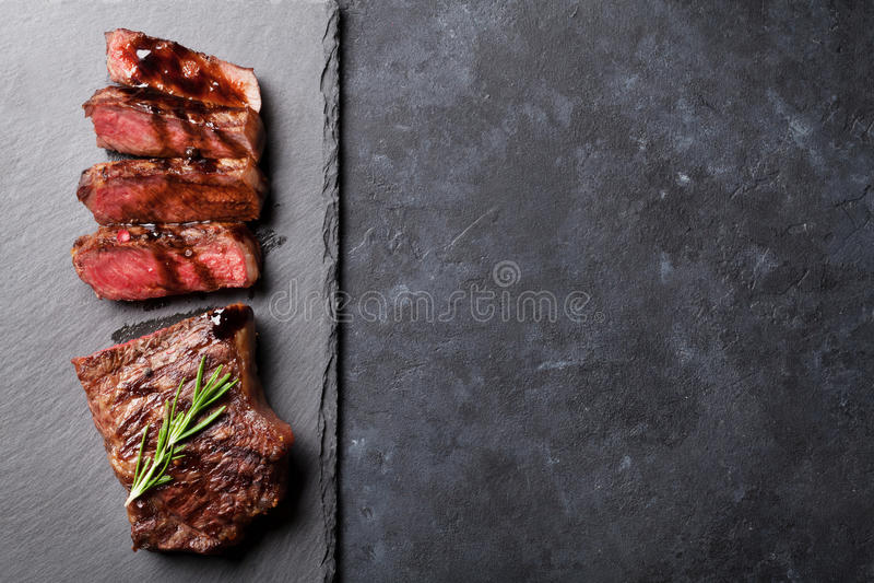 Grilled cortó el filete de carne de vaca fotos de archivo libres de regalías