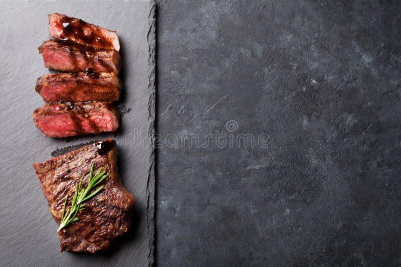 Grilled cortou o bife fotos de stock royalty free