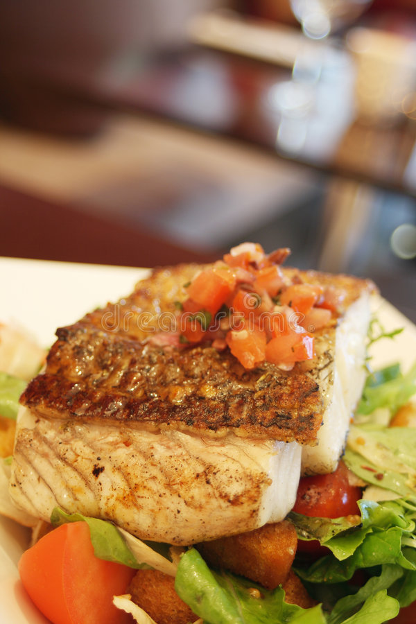 Free Grilled Fish Royalty Free Stock Photography - 2358807