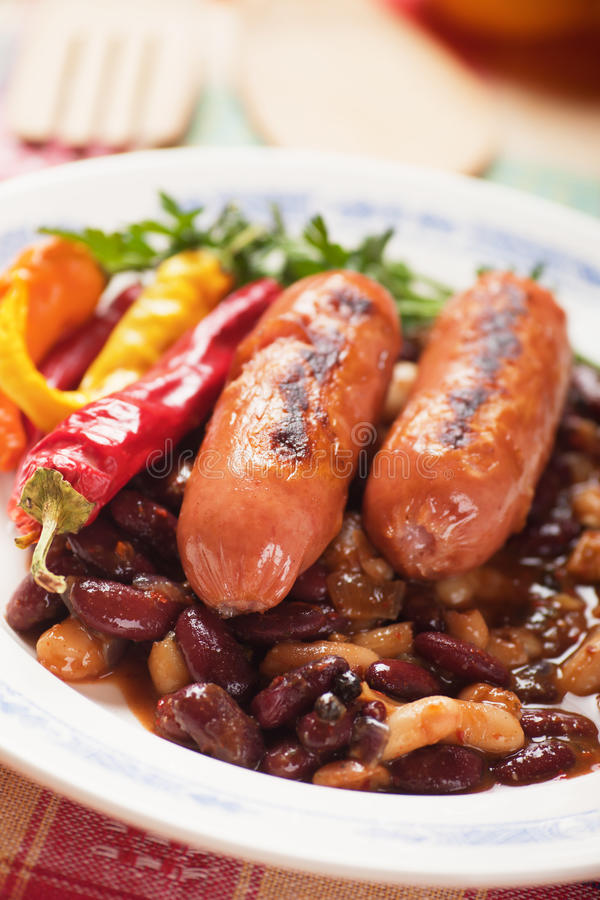Grilled Sausage With Chili Beans Royalty Free Stock Images