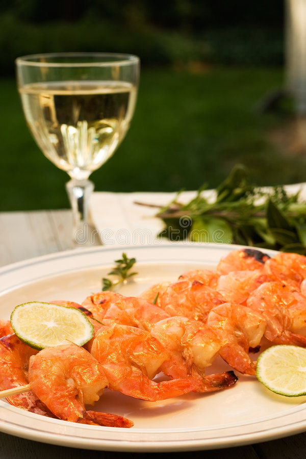 Free Grilled Shrimps And White Wine Outdoor Royalty Free Stock Photo - 1516325