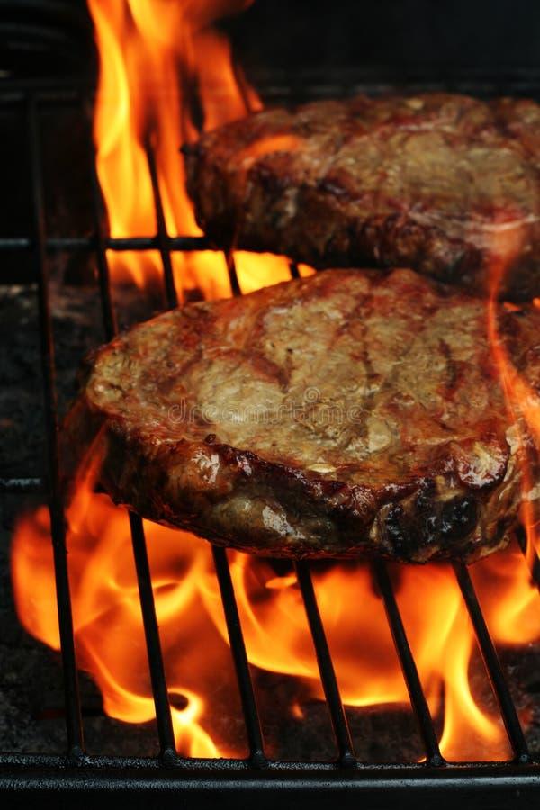 grillfeststeaks royaltyfria bilder
