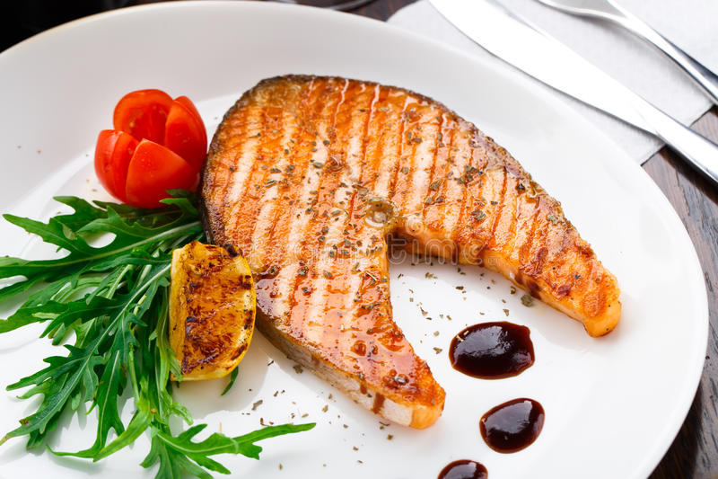grillowany stek łososia zdjęcia stock