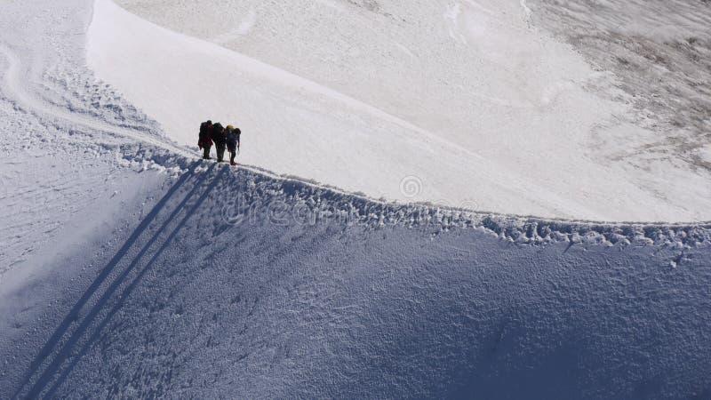 Grimpeurs de Mont Blanc photographie stock