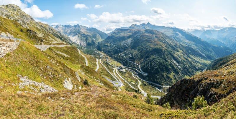 Grimselpass en las montañas de Bernese, Suiza foto de archivo