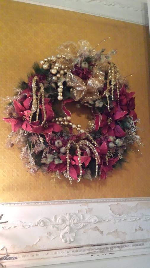 Grinalda do Natal extinta na fita e no brilho imagem de stock
