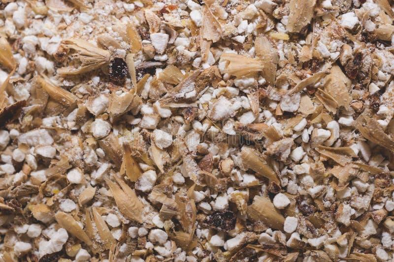 Grinded-Körner der Gerstenmalznahaufnahme HandwerksBierbrauen von stockfoto