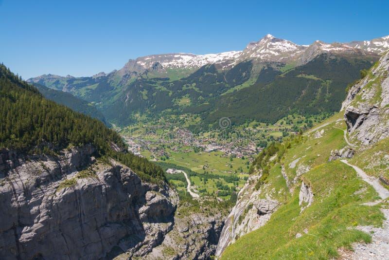 Grindelwald från Mattenberg i Schweiz arkivbilder
