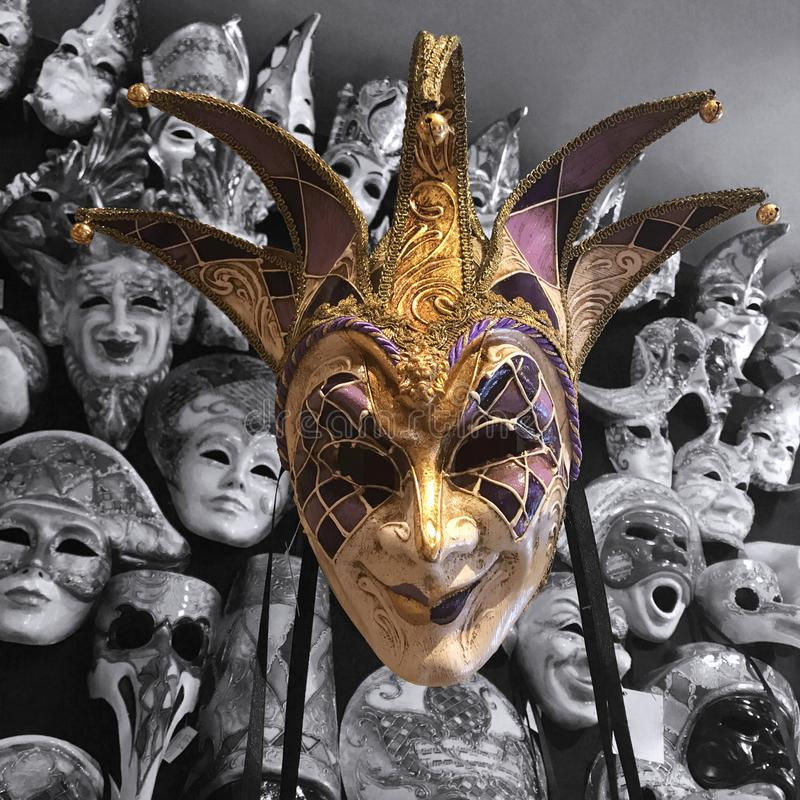 Grinsende Maskerade-Maske stockfotos