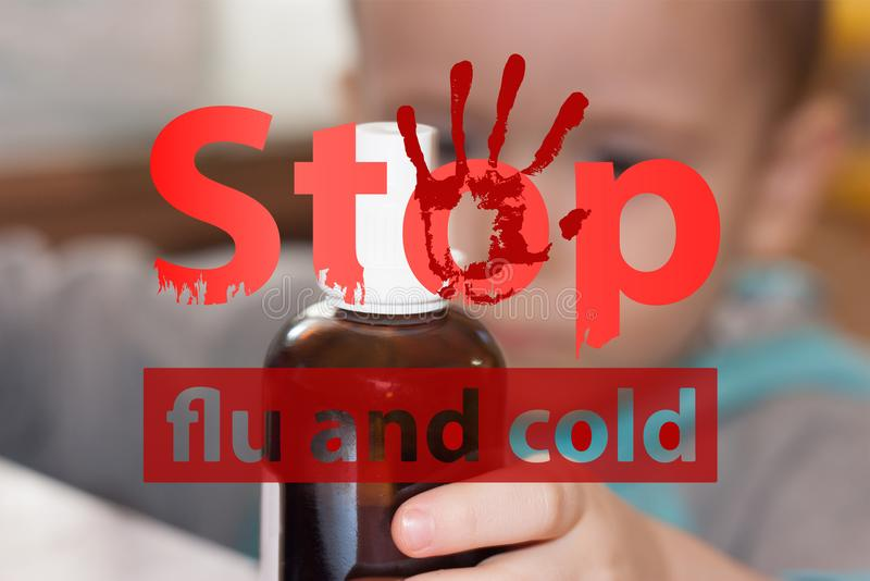 Grippe- und Kältehalt Hustenmedizin lizenzfreie stockfotografie