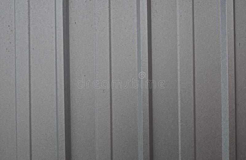 Gris de plata metalizada del fondo con las líneas foto de archivo libre de regalías