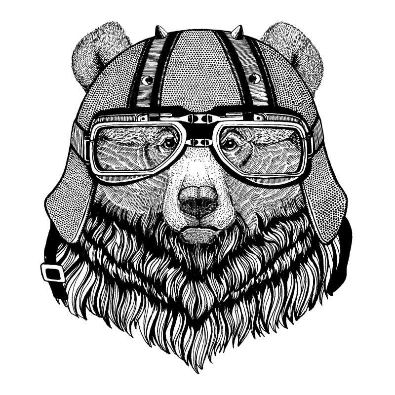 Grisslybjörn som bär en motorcykel, aero hjälm Utdragen bild för hand för tatueringen, t-skjorta, emblem, emblem, logo, lapp stock illustrationer