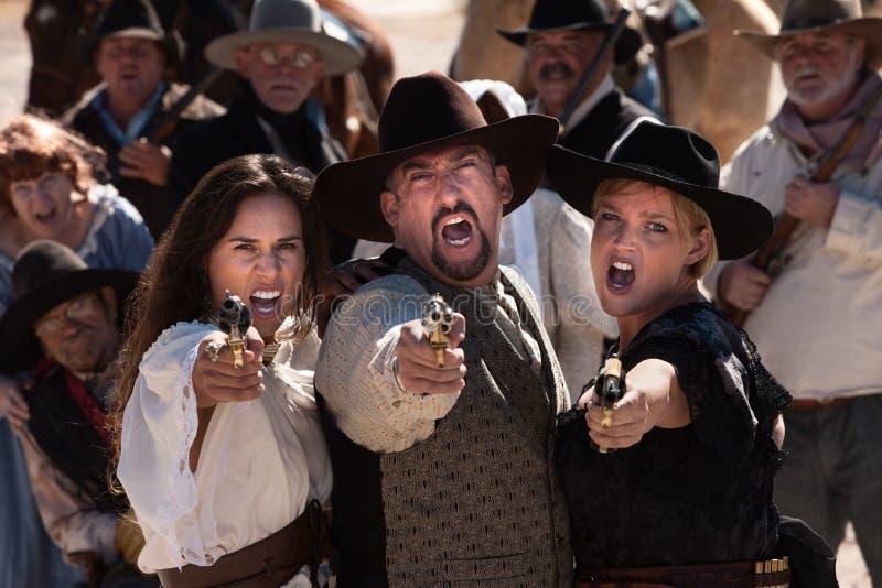 Gritando Gunfighters fotografia de stock royalty free