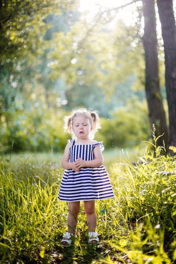 Griterío de la niña fotografía de archivo libre de regalías