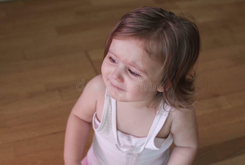 Griterío triste del bebé fotografía de archivo