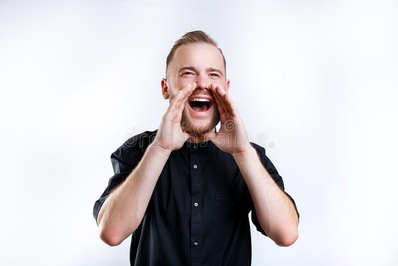 Grito casual joven del hombre Emociones humanas, concepto de la expresión facial imágenes de archivo libres de regalías