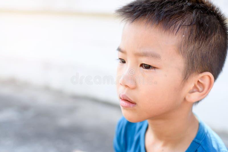 Grito del muchacho fotografía de archivo libre de regalías
