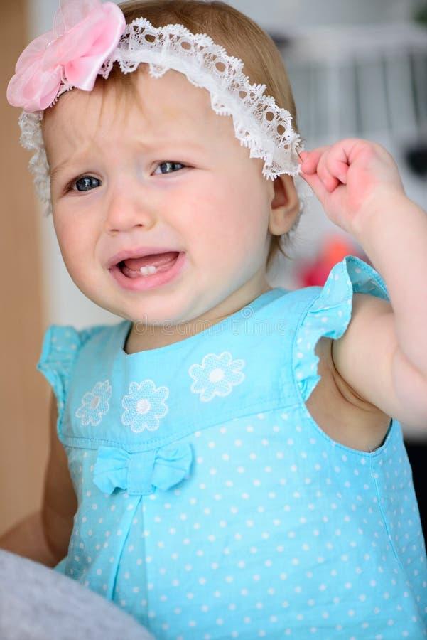 Grito pequeno do bebê imagens de stock